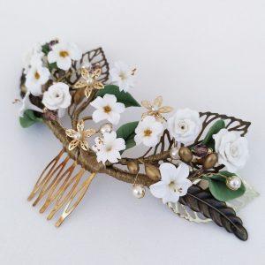 Peina flores blancas y dorado