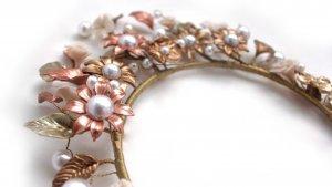 Corona rose gold y perlas
